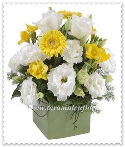 Aranjamente florale mese din lisianthus-frezii-gerbera
